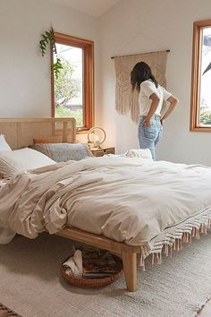 This is a Bedroom Interior Design Ideas. House is a private bedroom and is usually hidden from our guests. However, it is important to her, not only for comfort but also style. Much of our bedroom … Cozy Bedroom, Bedroom Inspo, Dream Bedroom, Home Decor Bedroom, Bedroom Ideas, Peaceful Bedroom, Master Bedroom, Bedroom Designs, Bedroom Green