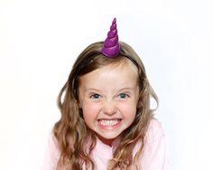 Einhorn-Horn Sparkle Tween-Größe-Stirnband-Kostüm von BrooklynOwl