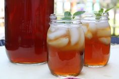 Mommy's Kitchen - Country Cooking & Family Friendly Recipes: Southern Sun Tea {My Favorite Summer Drink} <<-- Got to try this this summer. I might try it with herbal tea first though Summertime Drinks, Summer Drinks, Fun Drinks, Cold Drinks, Kitchen Recipes, Cooking Recipes, Drink Recipes, Tea Recipes, Summer Recipes