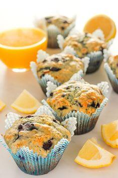 Lemon Blueberry Muffins (with yogurt!) Healthy Lemon Blueberry Muffins (with yogurt!) are lovely for breakfast or snacksHealthy Lemon Blueberry Muffins (with yogurt!) are lovely for breakfast or snacks Blueberry Yogurt Muffins, Lemon Muffins, Healthy Muffins, Blue Berry Muffins, Healthy Snacks, Healthy Recipes, Healthy Drinks, Breakfast Healthy, Healthy Blueberry Desserts