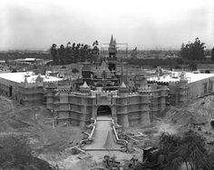 Building the Dream: The Making of Disneyland Park - Sleeping Beauty Castle…