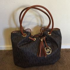 Sale New Michael Kors Tote New with tags 100% authentic Michael Kors brown monogrammed tote Michael Kors Bags