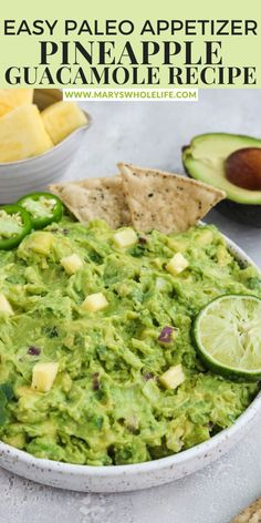 Paleo Pineapple Guacamole topped with slices of lime, jalapeños, cilantro and chips. This recipe is sweet with some heat! It makes a great appetizer with some grain free chips, or serve it on top of grilled salmon or chicken! Gluten free and dairy free. #cincodemayo #guacamole #pineapplerecipes #pineappleguacamole #springrecipes #paleorecipes Veggie Recipes Healthy, Best Paleo Recipes, Whole 30 Recipes, Dairy Free Recipes, Delicious Recipes, Gluten Free, Paleo Appetizers, Great Appetizers, Appetizer Recipes