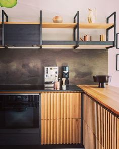 Trying to find ideas for the coffee shop motivation? We have a number of examples of coffee bars that are various from others and also have actually been remarkably created, you can additionally see them online! Barn Kitchen, Kitchen Sets, Kitchen Decor, Küchen Design, House Design, Detail Design, Kitchen Interior, Home Interior Design, Modern Tiny House