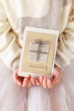 Handmade Christmas Decorations, Diy Christmas Cards, Christmas Gift Wrapping, Xmas Cards, Christmas Crafts, Paper Cards, Diy Cards, Tarjetas Diy, Karten Diy
