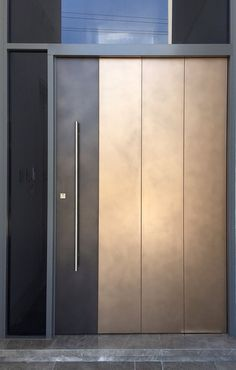 Bronze & Treasury Bronze Strip Door Source by Modern Entrance Door, Modern Exterior Doors, Modern Door, Entrance Doors, Doorway, Door Design Interior, Main Door Design, Front Door Design, Interior Doors