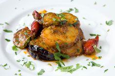 """Nos complace anunciaros que desde el pasado 1 de marzo nuestro """"Restaurante Los Zarzales"""" vuelve a estar abierto.Podrás degustar nuestro asado """"slow cook"""".."""