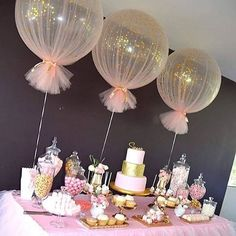 Baby Shower Decorations Balloons wrapped in tulle for party decor Deco Baby Shower, Shower Party, Baby Shower Parties, Baby Shower Themes, Baby Shower For Girls, Baby Shower Table Set Up, Girl Baby Shower Decorations, Shower Cake, Baby Decor