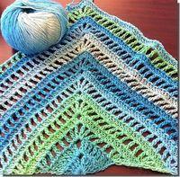 Een leuk en simpel patroon voor een omslagdoek, de Lydia Sjaal van Ravelry : Deze sjaal of omslagdoek lijkt qua steek op een varia...