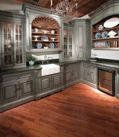French country butler's pantry...@Cecilia Craig..I think I'd stay in this pantry all day!