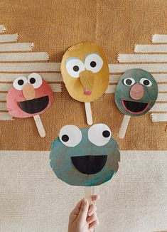 sesame street collage puppet craft (almost makes perfect) Diy Crafts For Tweens, Fun Diy Crafts, Craft Projects For Kids, Kids Crafts, Project Ideas, Rainy Day Crafts, Puppet Crafts, Family Crafts, Weekend Projects