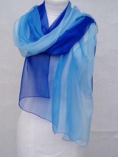 25582f26dc43 Etole, écharpe, foulard paréo bleu en mousseline de soie
