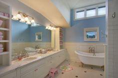Perfect and ergonomic design inspiration for girls bathroom - Decoist