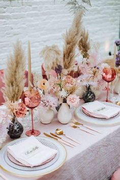 Gorgeous table with pampas grass and fresh flowers.