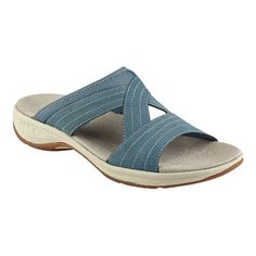 Light as air. Our Emorie slide sandals make you feel almost as though you're going barefoot! #EasySpirit #MyEasySpirit
