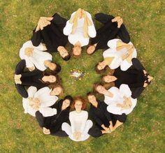 Sacred Geometric ART created using Human Bodies only Animation Photo, Yoga Photos, Partner Yoga, Bff Pictures, Yoga For Kids, Art Plastique, Geometric Art, Creative Photography, Beautiful Images