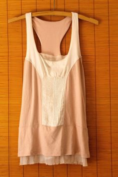 EUC Club Monaco Sz S Womens Silk Modal Cotton Tan Beige Pleated Sleevless Blouse #ClubMonaco #Blouse #Silk #RVATreasures #Sleeveless #Tank #Modal #Small #SizeS #S #Women #ladies #Spring #Summer #Fashion #Affordable #Work #Weartowork #casual #office #Church #Party #Nightout #Pleated #layered #Beautiful #Fashion #urban #Chic #boho #Hippie #Beige #Tan #Ivory