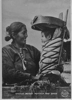 Navajo People P… Navajo Women Navajo Mother a… Native American Wisdom, Native American Beauty, Native American Photos, Native American Tribes, Native American History, American Indians, American Symbols, Indiana, Navajo Women