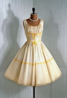 Yellow wedding themes! Yellow is one of my favorite colors! This is for the yellow lovers!
