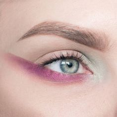 Products used: @makeupstore folklore & holidays   Brows: @elizabetharden Brow shaper in brunette 04 and @maccosmetics Brow set in clear #eyeshadow #eyemakeup #makeupartist #makeup #purple #mua #eyebrows #eye