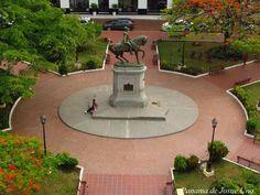 Plaza Herrera....