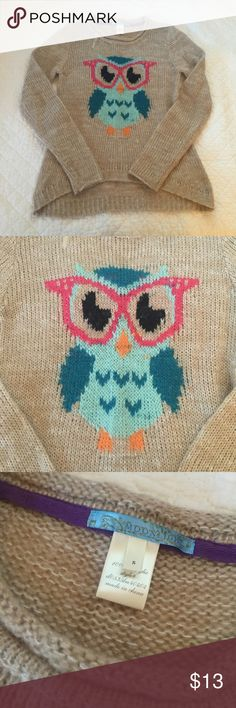 Francescas owl sweater Cute sweater with funny owl character on it! Purchased from francescas. Size small and only worn a few times with no major flaws to point out. Francesca's Collections Sweaters Crew & Scoop Necks