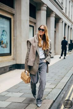 Photo of London Fashion Week Street Style Is Here to Bring You Nonstop Outfit Inspiration Best Street Style, Street Style Outfits, Autumn Street Style, Street Chic, Cool Outfits, Fashion Outfits, Fashion Trends, Style Fashion, Street Mall