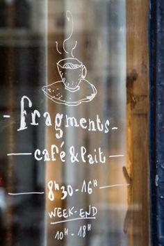 Fragments Café & Lait Coffee Shop in Paris, Cafe Bar, Cafe Bistro, Bar Deco, Deco Cafe, Coffee Cafe, My Coffee, Coffee Corner, Coffee Shops, Boutiques