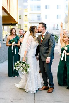 Where to Order Your Groom's Suit // Groom and Groomsmen Suits Made Easy with The Modern Groom via TheELD.com