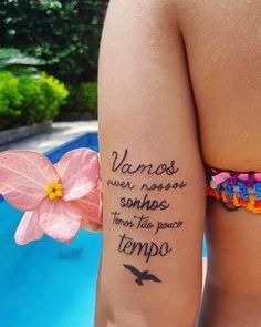 27 Minimalist One-Word Tattoo Ideas - chic better Wörter Tattoos, Cute Tattoos, Small Tattoos, Tatoos, Tattoo Life, Tattoo You, Tattoo Quotes, One Word Tattoos, Tattoo Magazine