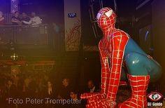 Spiderman in club Spiderman, Club, Superhero, Fictional Characters, Spider Man, Fantasy Characters, Amazing Spiderman