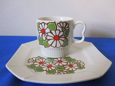 Hey, I found this really awesome Etsy listing at https://www.etsy.com/listing/241935781/vintage-60s-fine-china-mod-flower-single