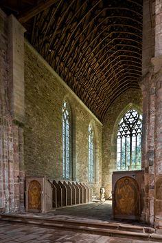 Chancel, Eglise abbatiale Notre-Dame de Boquen, Plénée-Jugon (Côtes-d'Armor)  Photo by PJ McKey