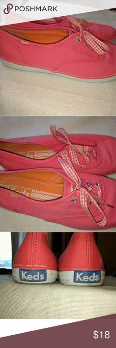 Keds flats pink Just in time for spring, with a gingham ribbon. Very cute pink ish coral color. Keds Shoes Flats & Loafers