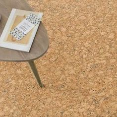 PVC Bodenbelag in Kork #naturboden #pvc #bodenbelag #einrichten #wohnideen Recycling, Stool, Classic, Camping, Home Decor, Dibujo, Palette Knife, Barn Wood Floors, Duck Tape