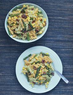 Perfect Picnic Pasta Salad with Lemony Avocado Sesame Dressing @spabettie
