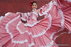 Traditional Cumbian dress at Barranquilla Carnival, Colombia. Come and visit us… Traditional Fashion, Traditional Dresses, Folklorico Dresses, Mexican Costume, Caribbean Culture, Mexico Culture, Mexican Dresses, Mexican Style, Dance Dresses