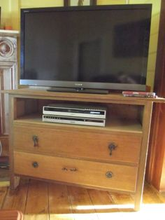 Turned into Treasure: A New Unit - old dresser turned TV unit Old Dressers, Tv Unit, Old Things, Entertaining, Home Decor, Homemade Home Decor, Decoration Home, Home Decoration