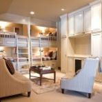 For a big brood or lots of overnight guests, bedrooms with more than one set of bunks can be the ideal solution