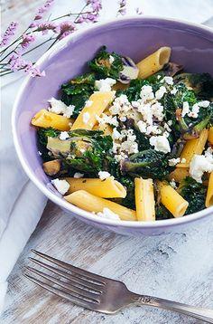 Nudeln mit Kalettes<sup>®</sup> und Feta Chou Kale, Feta, Cantaloupe, Fruit, Brussels Sprouts, Noodles, Health