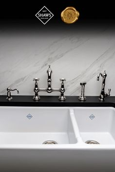 The double fireclay sink brings a touch of farmhouse chic to your kitchen and has the durability to last a lifetime. Diy Kitchen Decor, Room Interior, Interior Design Living Room, Kitchen Design, Home Decor, Kitchen Pantry, Kitchen And Bath, Kitchen Island, Fireclay Sink