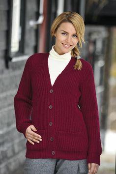 1011: Modell 23B Higgins jakke dame #strikk #knit #fjells Red Cardigan, Men Sweater, Clothes For Women, Knitting, Pattern, Women's Sweaters, Cardigans, Submissive, Knits