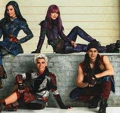 Love em they are the best Descendants Wicked World, Disney Descendants 2, Disney Channel Descendants, Descendants Cast, Disney Channel Shows, Cameron Boyce, Disney Xd, Disney And Dreamworks, High School Musical