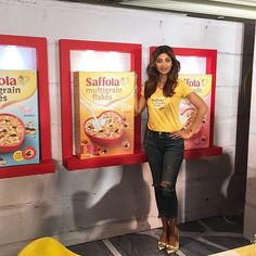 At the launch today of #saffola5graincereal better fibre rich breakfast=happier fuller you:) #thebetterflakes #lifestylemodifica