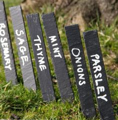Set of 6 Slate Plant Markers Plant Markers, Garden Markers, Slate Garden, Garden Plants Vegetable, Plant Zones, Fall Vegetables, Potager Garden, Types Of Plants, Small Gardens