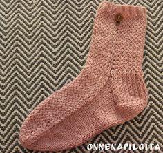 ONNENAPILOITA: Neiti Kevät- sukat
