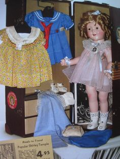 Shirley Temple doll with a trunk filled with clothes matching the ones - annabell Old Dolls, Antique Dolls, Vintage Dolls, Vintage Stuff, Vintage Cards, Vintage Paper, Girl Dolls, Baby Dolls, Dream Doll