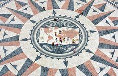 É um dos maiores símbolos da cultura portuguesa e espalhou-se por todo o mundo na era das colónias. Conheça as 10 calçadas mais bonitas de Lisboa.