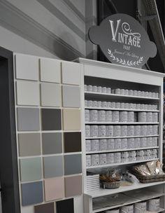 Krijtverf: Vintage Paint Jeanne d'Arc Living. Shelving, Decorations, Painting, Vintage, Home Decor, Paint, Shelves, Decoration Home, Room Decor