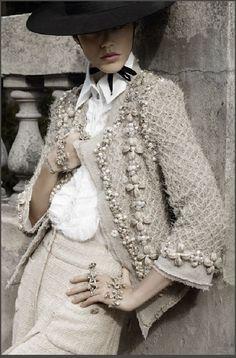 66 New ideas moda chic chanel haute couture Chanel Couture, Fashion Details, Look Fashion, Fashion Design, Fashion Beauty, Chanel Fashion, Couture Fashion, Luxury Fashion, Moda Chanel